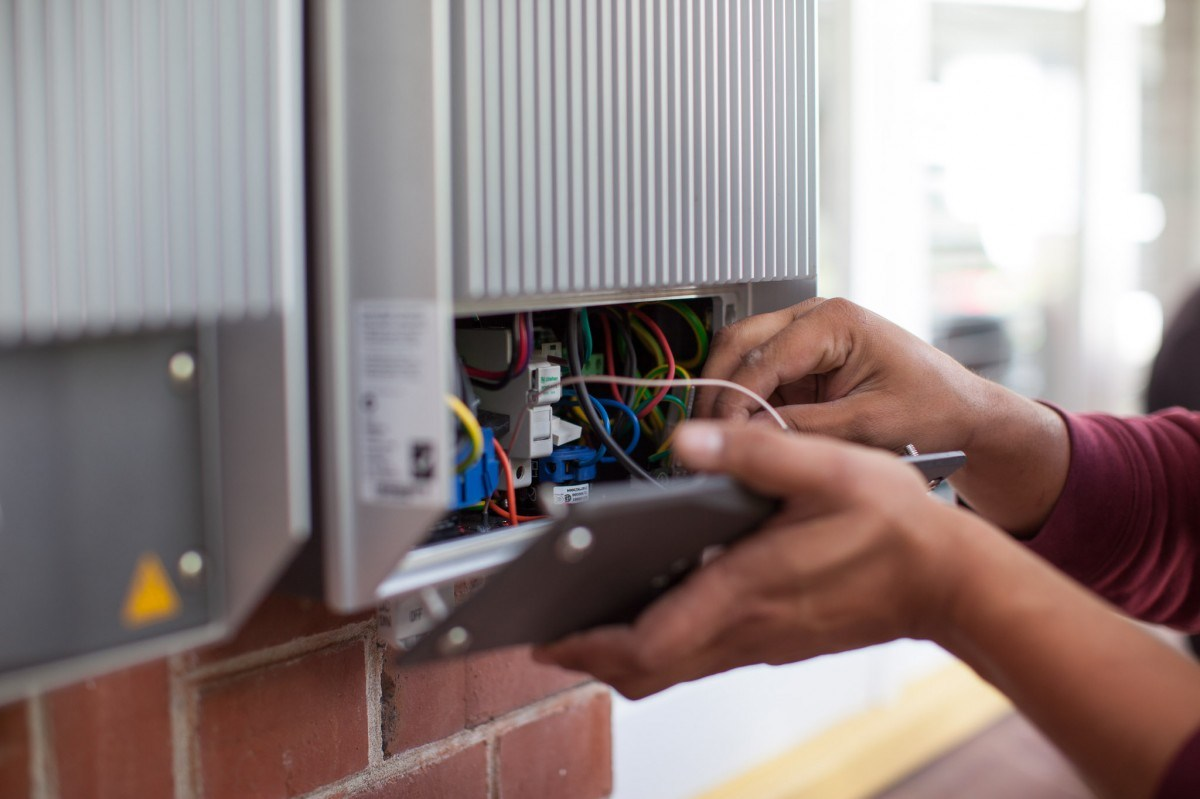 Pelatihan Electrical System Power Inverter